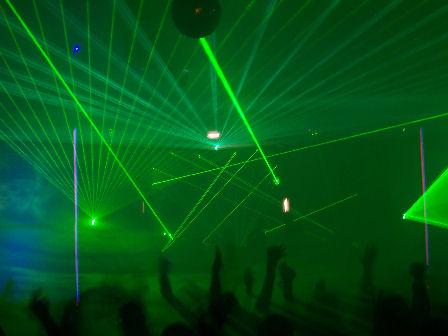 Smoke + lasers = great